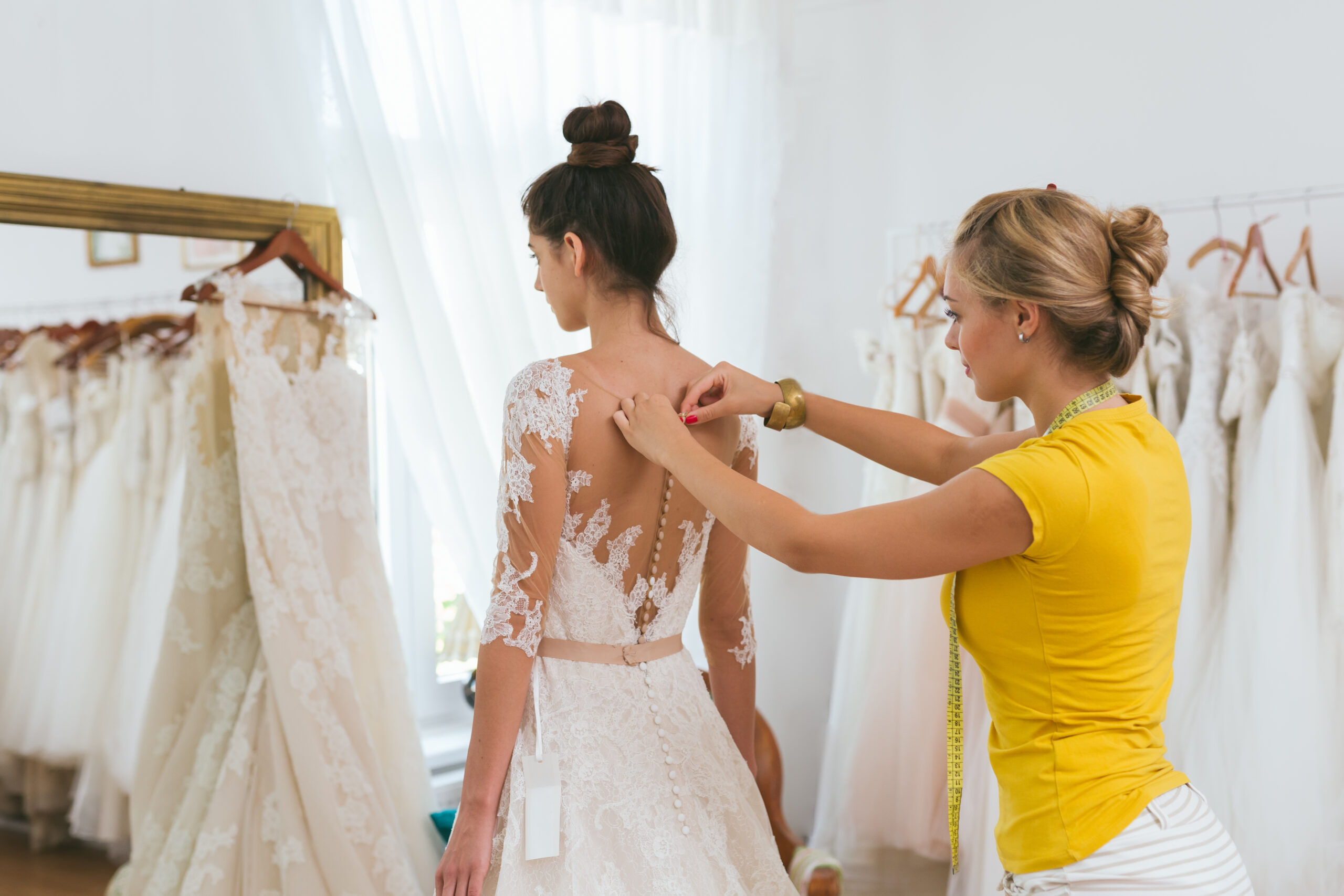 How to Have a Successful Wedding Dress Fitting